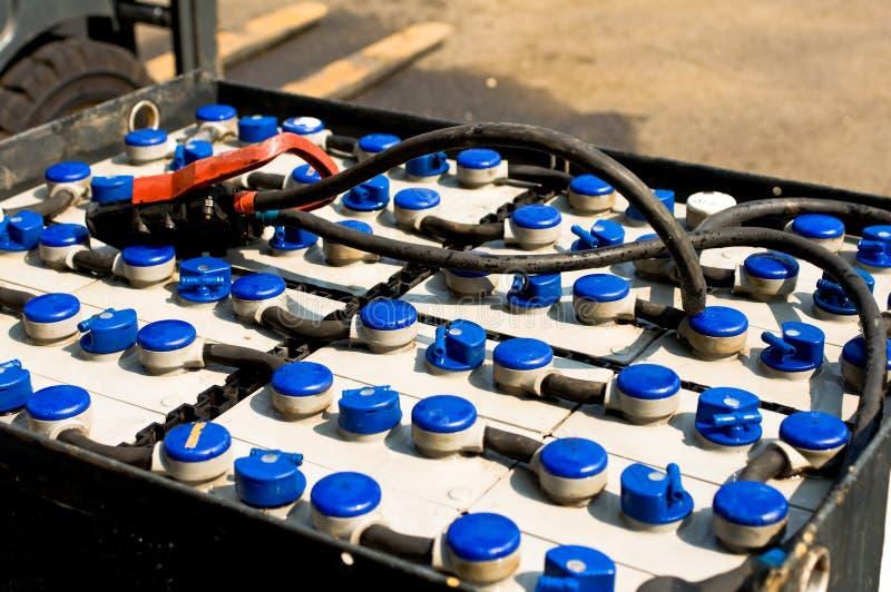 Zugkraftbatterie eines Gabelstaplers lizenzfreie stockfotos