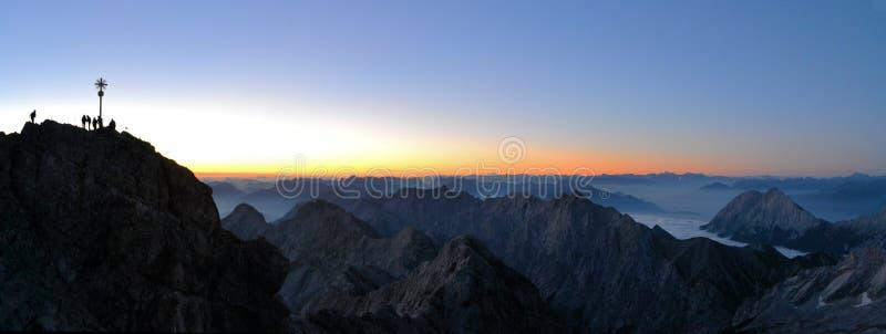 Zugspitze, hoogste de bergpiek van Duitsland royalty-vrije stock foto's
