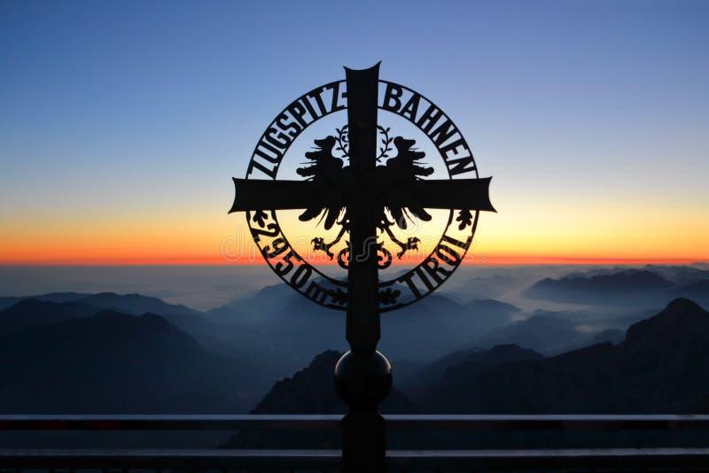 Zugspitze hoogste piek van Duitsland stock afbeelding