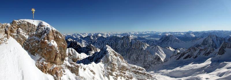 Zugspitze Panorama lizenzfreies stockbild
