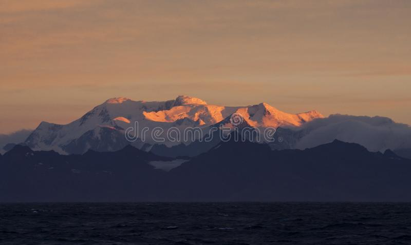 Zuid-Georgië met avond licht; South Georgia with evening light royalty free stock image