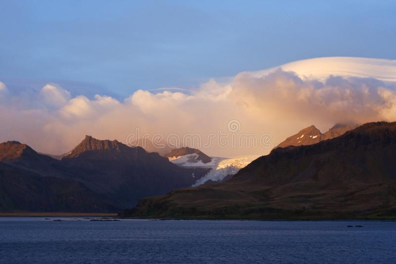 Zuid-Georgië met ochtend licht; South Georgia with morning light. Zuid-Georgië in het ochtend licht; South Georgia in morning light stock photos