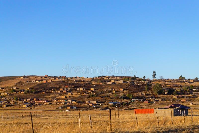 Zuidafrikaanse sloppenwijk stock afbeelding
