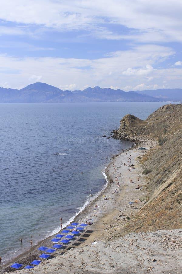 Zuidelijke kust van het schiereiland van de Krim dichtbij Feodosia stock foto's