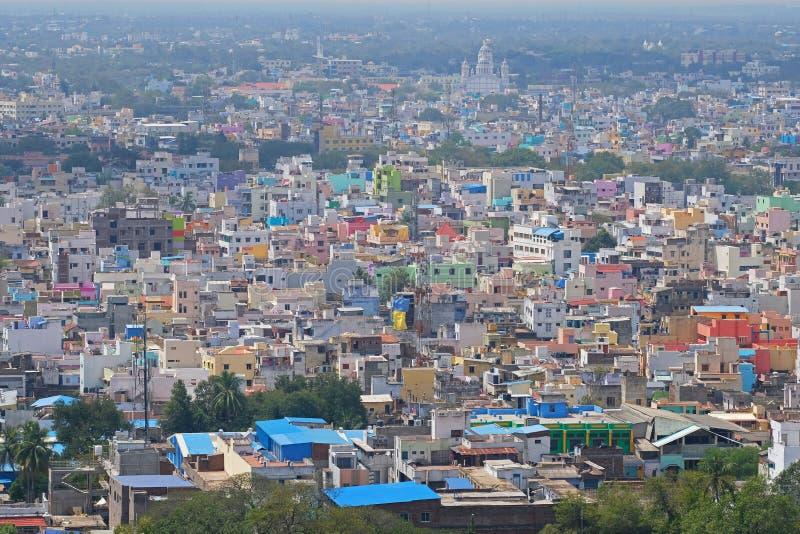 Zuiden Indische die huisvesting hierboven wordt bekeken van stock fotografie