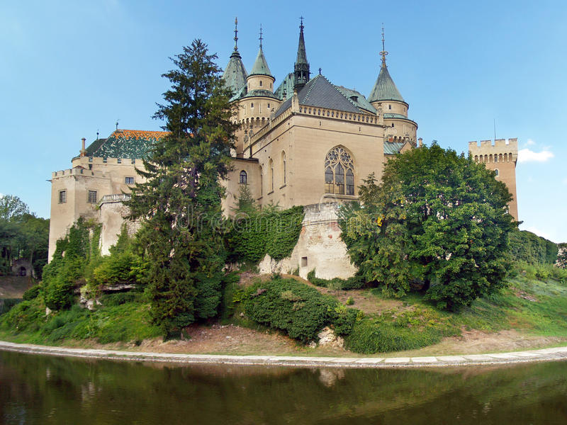 Zuidenkant van Bojnice-kasteel, Slowakije stock foto's