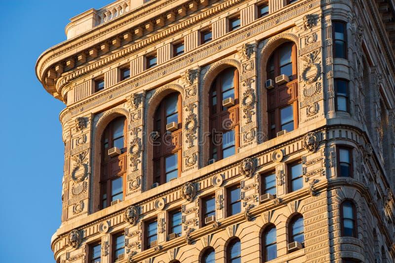 Zuidenkant van het Strijkijzergebouw in Zonlicht, New York royalty-vrije stock foto's