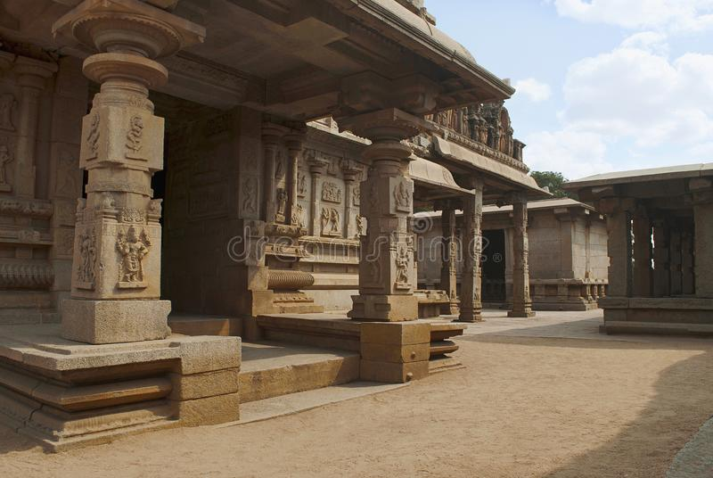 Zuidwestenmening van Hazara Rama Temple Koninklijk Centrum of Koninklijke bijlage Hampi, Karnataka royalty-vrije stock afbeelding