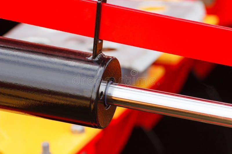 Zuiger of actuator van hydraulisch en pneumatisch machines, technologie en techniekconcept royalty-vrije stock fotografie