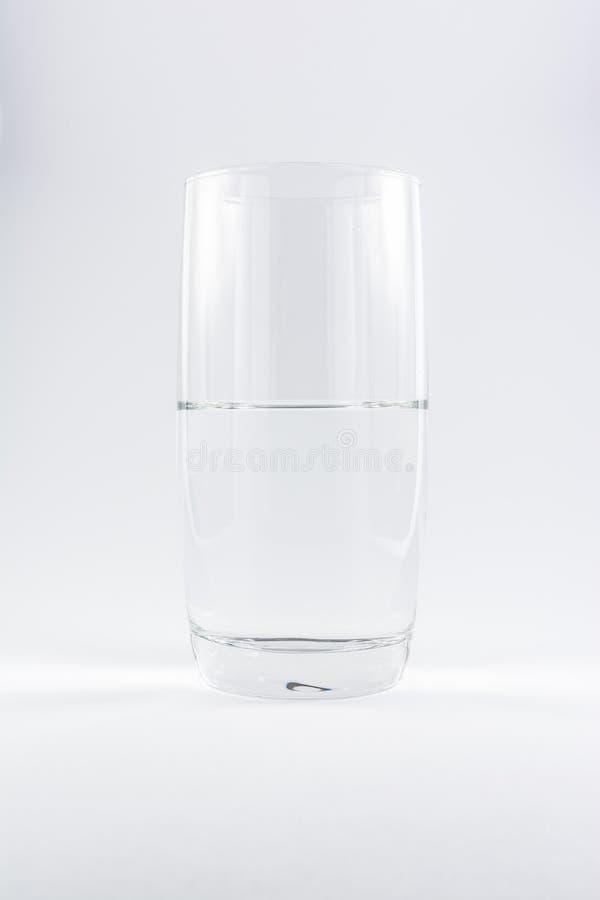 Zuiver Schoon Glas van Witte Achtergrond N van Water de Eenvoudige Minimalistic stock fotografie