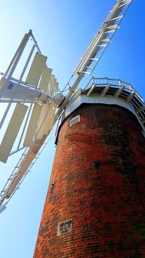 Zuivere Horsey de windmolen is binnen één van Norfolk Broads stock foto's