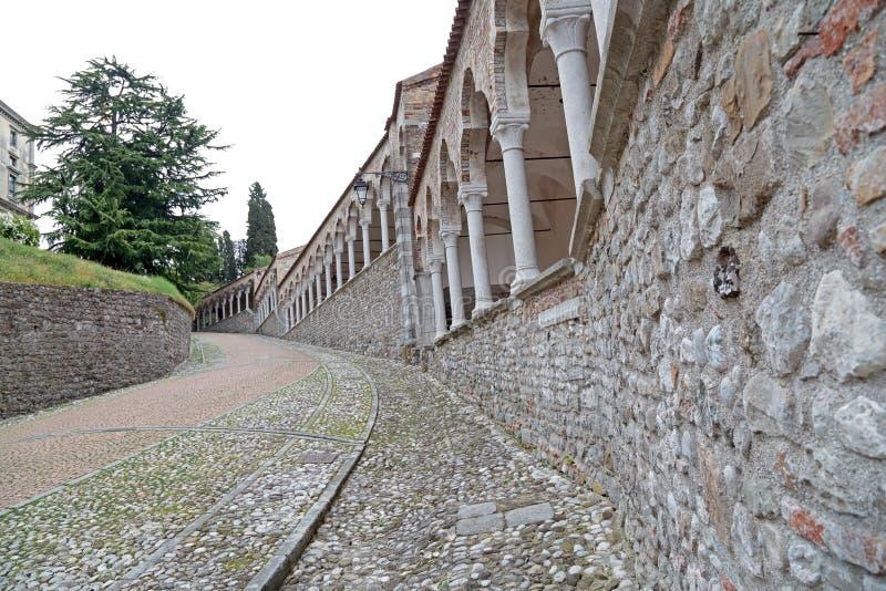 Zum Schloss von Udine, Italien lizenzfreie stockfotos