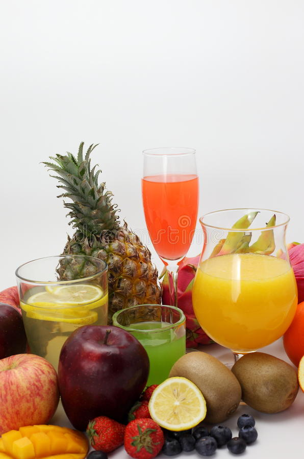 Zumo de fruta y fruta fotos de archivo libres de regalías