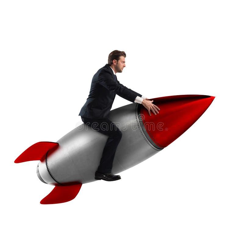 Zunahme der Wiedergabe 3D der Aufstieg zum Erfolg lizenzfreies stockfoto
