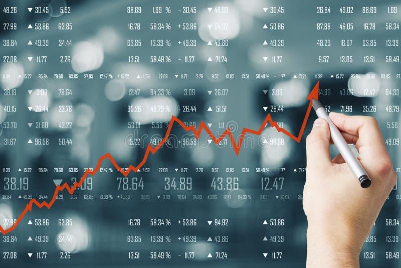Zunahme, Wachstum und Konzept investieren lizenzfreie stockfotografie