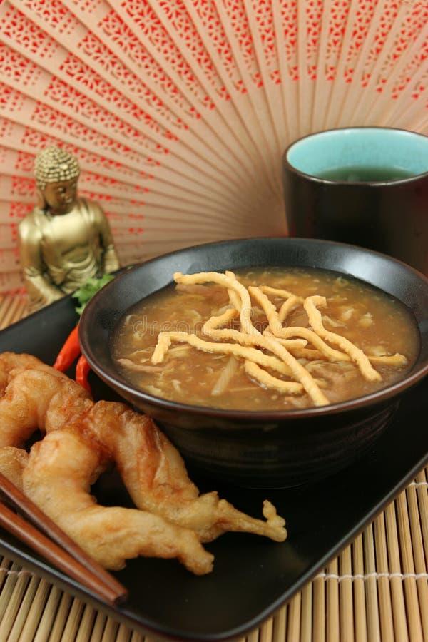 zupa z krewetek z cytryną gorące zdjęcia royalty free