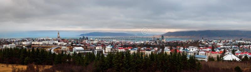 Zupełny panoramiczny widok Reykjavik Islandzki kapitał zdjęcie royalty free