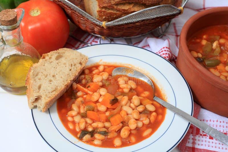 Zuppa di fagioli bianchi greca orizzontale fotografie stock libere da diritti