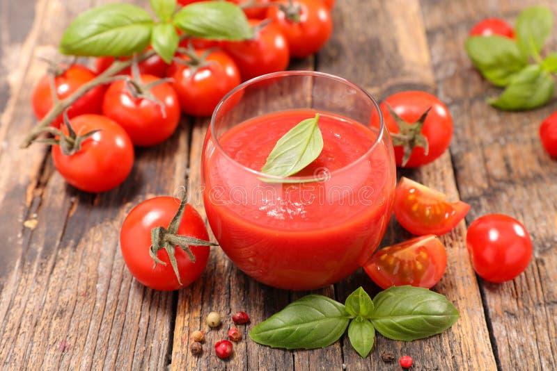 Zuppa di verdure fredda del pomodoro fotografia stock libera da diritti