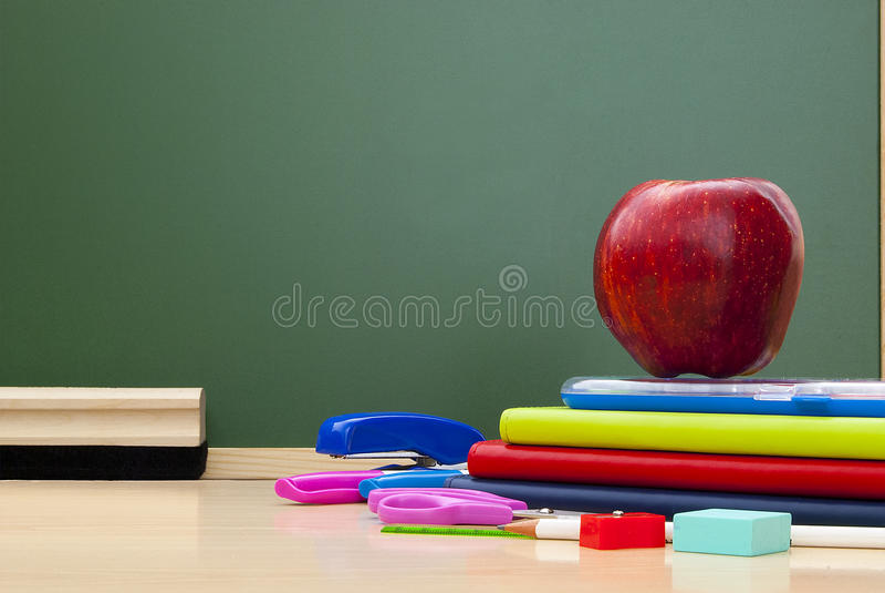 Zurück zu Schulbedarf. lizenzfreie stockbilder