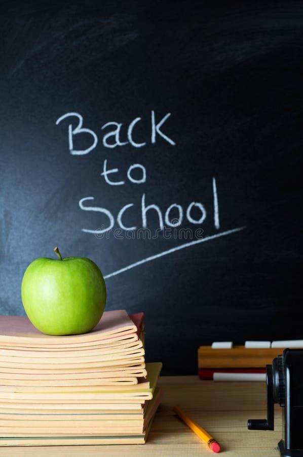 Zurück zu Schule-Tafel stockbilder