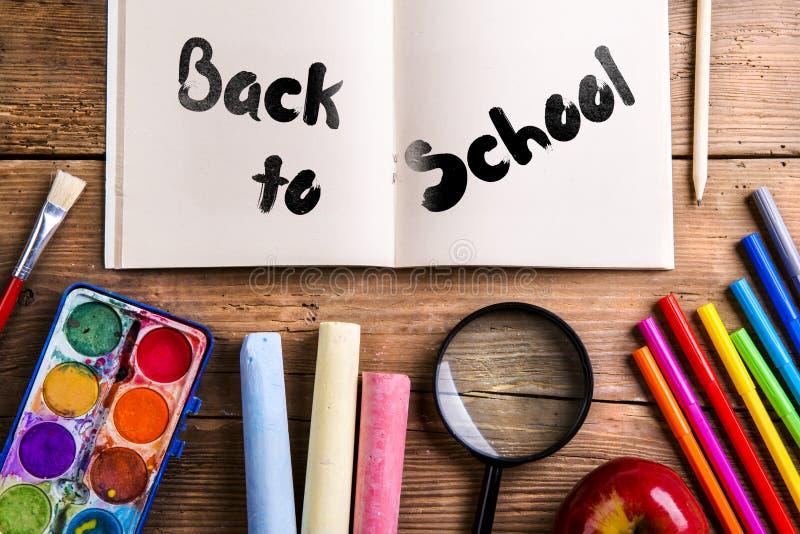 Zurück zu Schuleaufbau lizenzfreies stockfoto