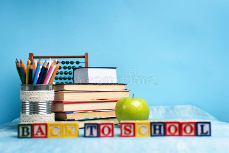 Zurück zur Schulnote und Bildungsabstrakte mit Kopierraum stockfotos