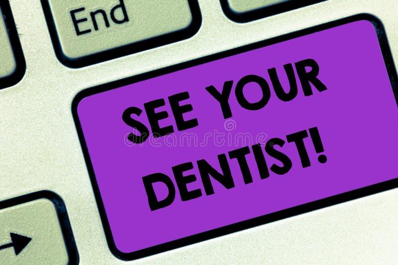 Zur Untersuchung Anmerkungsvertretung schreibend, sehen Sie Ihr Zahnarzt-Business-Foto, zur Schau zu stellen zu gehen, wem besond lizenzfreies stockfoto