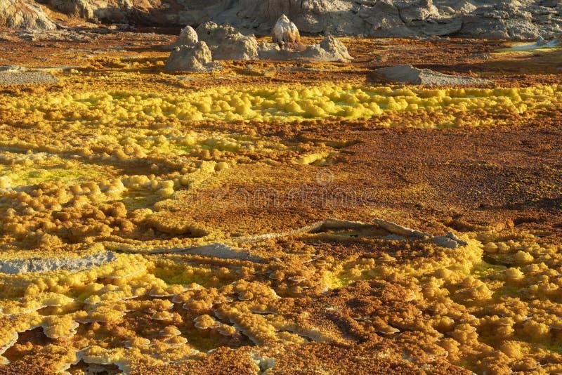 Zure concreties in Dallol-plaats in de Danakil-Depressie in Ethiopië, Afrika stock fotografie
