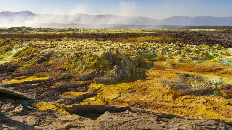 Zure vijvers in Dallol-plaats in de Danakil-Depressie in Ethiopi?, Afrika royalty-vrije stock afbeeldingen
