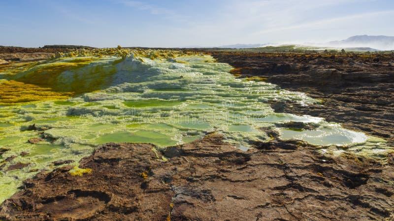 Zure vijvers in Dallol-plaats in de Danakil-Depressie in Ethiopi?, Afrika stock afbeelding