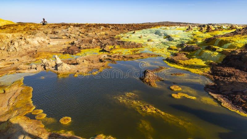 Zure vijvers in Dallol-plaats in de Danakil-Depressie in Ethiopi?, Afrika stock fotografie