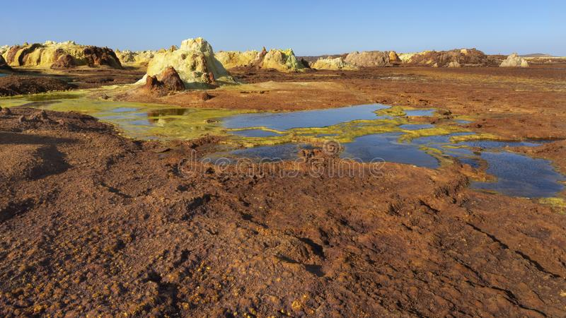 Zure vijvers in Dallol-plaats in de Danakil-Depressie in Ethiopi?, Afrika royalty-vrije stock fotografie