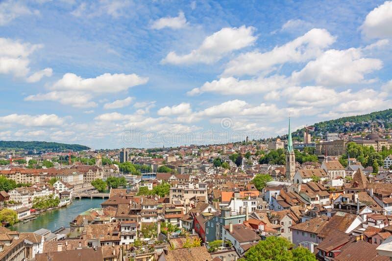 Zurigo, Svizzera - vista sopra il centro urbano fotografie stock libere da diritti