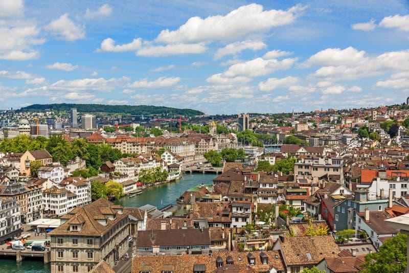 Zurigo, Svizzera - vista sopra il centro urbano immagini stock