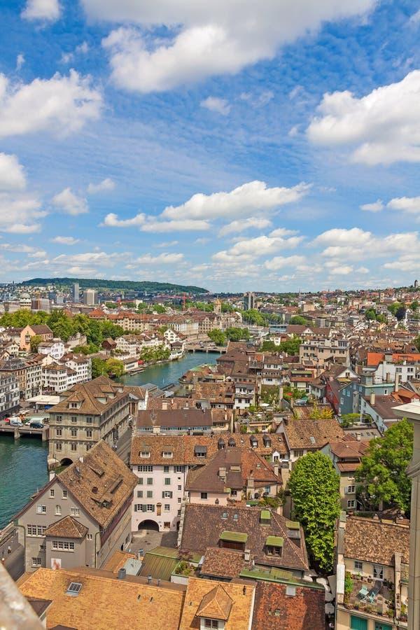 Zurigo, Svizzera - vista sopra il centro urbano fotografia stock libera da diritti