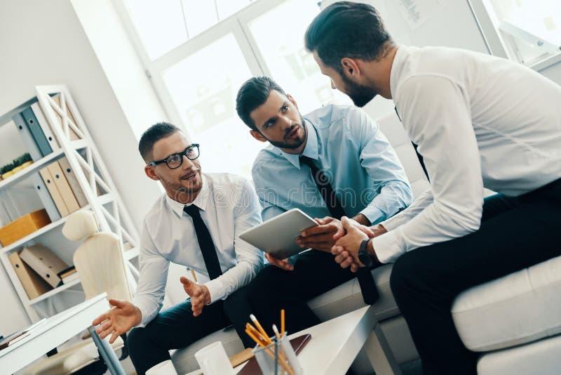 Zusammenarbeit ist ein Schl?ssel zu den besten Ergebnissen stockfoto