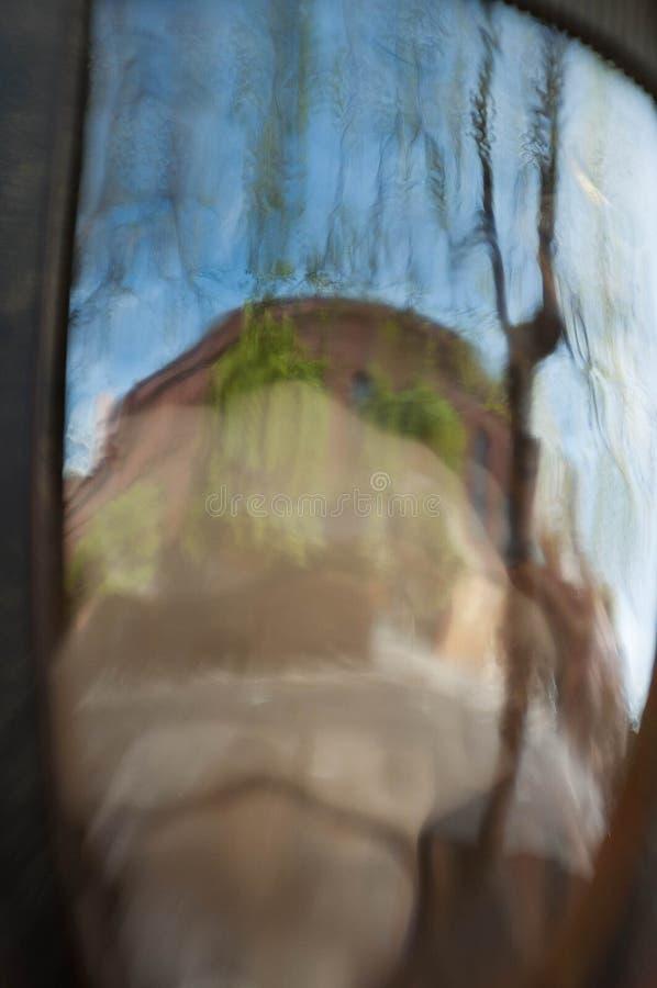 Zusammenfassung unscharfe Glasrefections stockbild