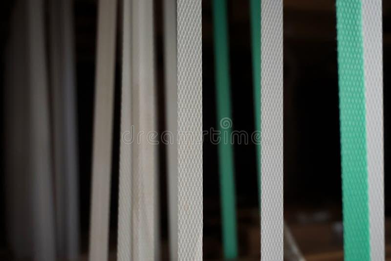 Zusammenfassung von Nylonbügeln lizenzfreie stockfotografie