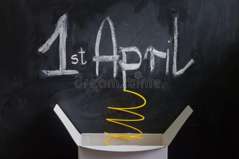Zusammenfassungskasten des Aprilscherzes Tagesmit Überraschung und Witz stockfotos