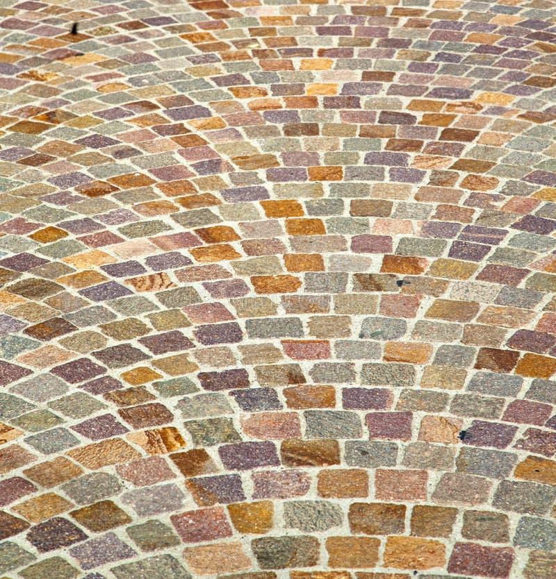 Zusammenfassungspflasterung und -marmor Besnate-Straßenitaliens Varese lizenzfreies stockfoto
