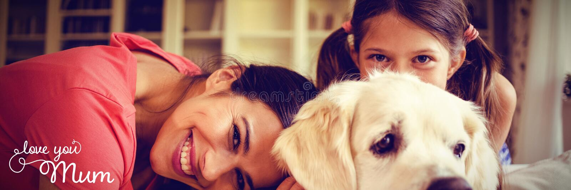 Zusammengesetztes Bild der Muttertagesmitteilung lizenzfreie stockfotografie