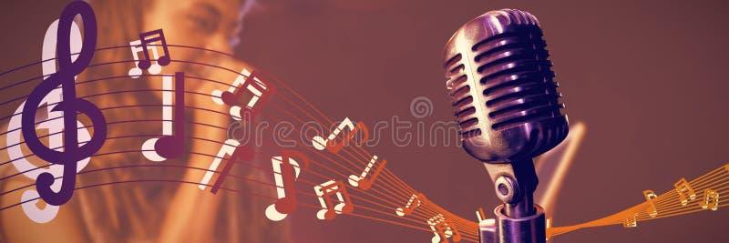Zusammengesetztes Bild der Nahaufnahme des Mikrofons lizenzfreies stockbild