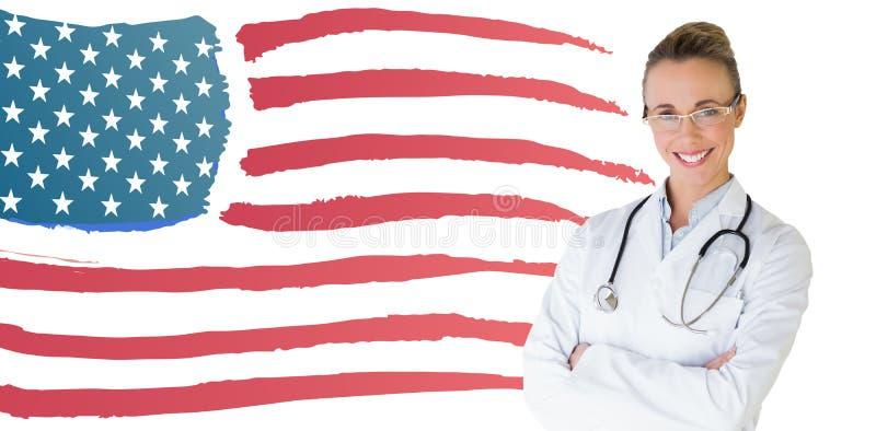 Zusammengesetztes Bild der schönen Ärztin mit den Armen kreuzte im Krankenhaus lizenzfreie stockfotografie