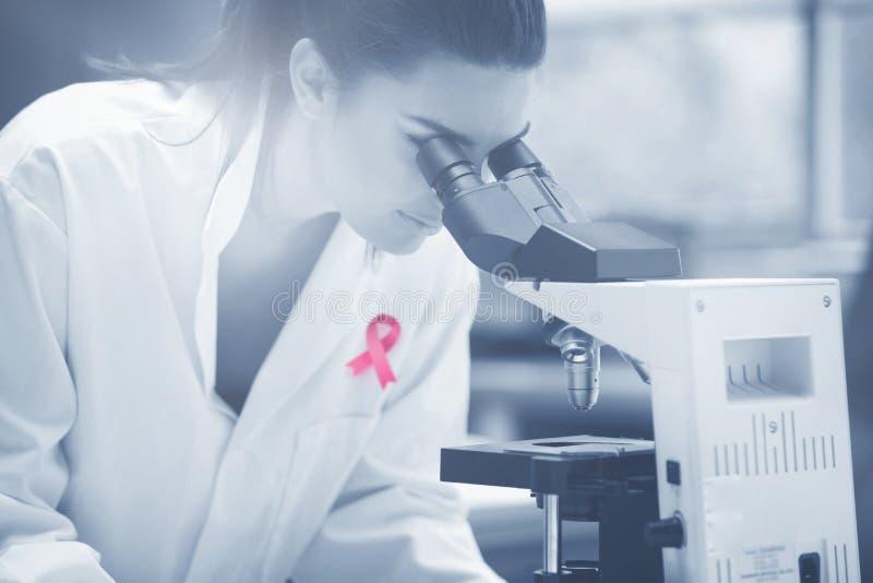 Zusammengesetztes Bild des Brustkrebs-Bewusstseinsbandes lizenzfreies stockbild