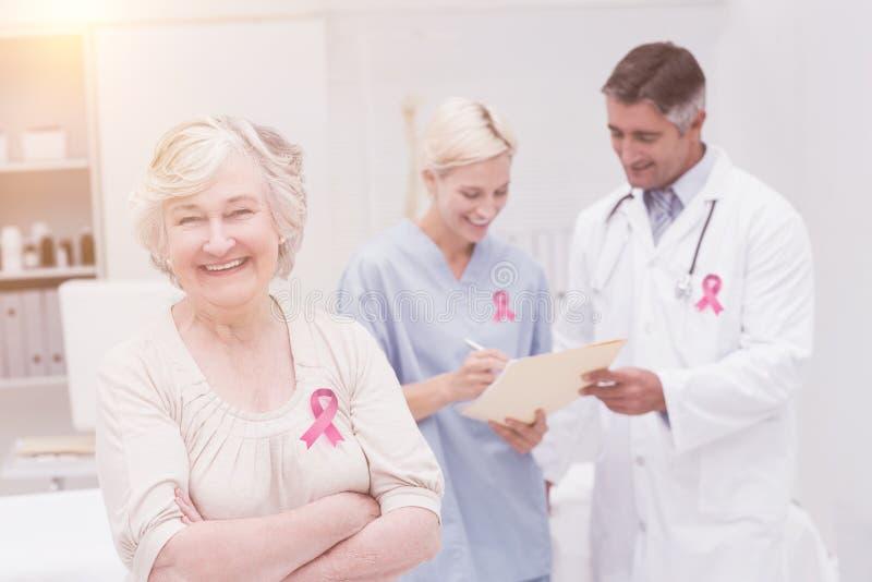 Zusammengesetztes Bild des Brustkrebs-Bewusstseinsbandes stockfoto