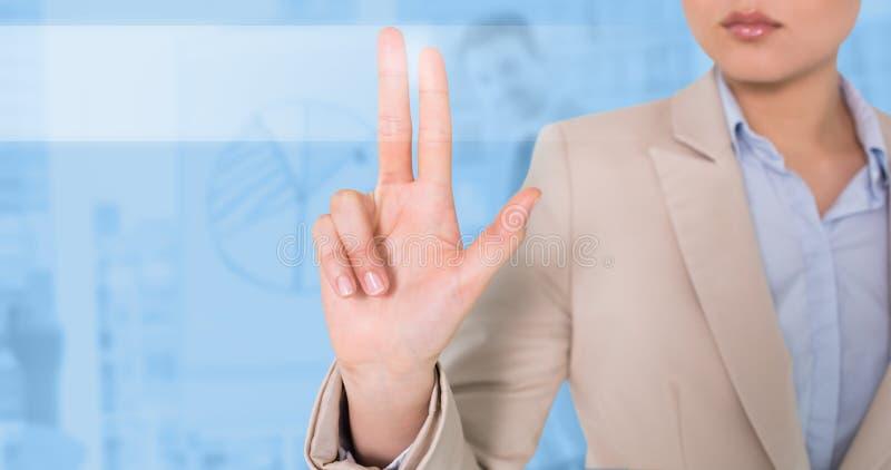Zusammengesetztes Bild des Geschäftsfrauberührens lizenzfreie stockbilder
