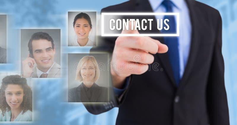 Zusammengesetztes Bild des Geschäftsmannes seinen Finger auf Kamera zeigend lizenzfreie stockbilder