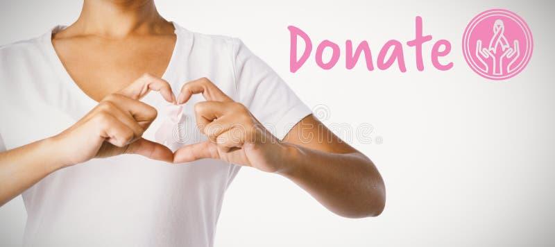 Zusammengesetztes Bild des grafischen Bildes von spenden Text mit Brustkrebs-Bewusstseinsband stockfotos