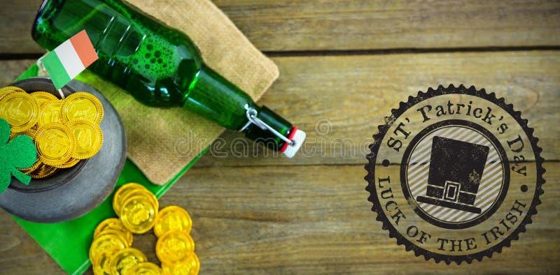 Zusammengesetztes Bild des zusammengesetzten Bildes des St- Patricktagessymbols stockfotografie